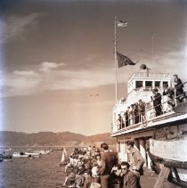 Image of People Fishing Off the Pier, 1942 - 1942/02/08