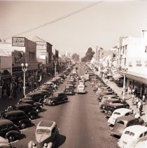 Image of Parked Cars and Businesses on 3rd Street, 1940 - 1940/10/12