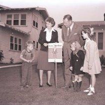 Image of Fay Bainter Participates in Block Mother Program, 1942 - 1942/06/25