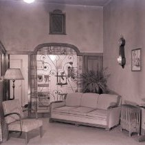 Image of Dr. W.A. Lady's Optometrist's Office, 1940 - 1940/01/17