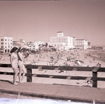 Image of Women with a Pekingese on the Pier, 1941 - 1941/04/08