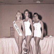 Image of Miss Santa Monica Contestants, 1959 - 1959/06/15