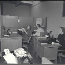 Image of Reporters at the Outlook Newspaper, 1937 - 1937/03/17