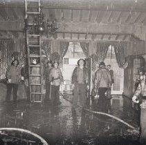 Image of Beach House Fire Damage, 1947 - 1947/12/16