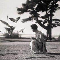 Image of Shirley Nishimura at Palisades Park, 1960 - 1960/12/23