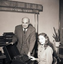 Image of Jeanne Crain Purchases Typewriter, 1946 - 1946/12/24