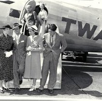 Image of Betty Rogers and Others Boarding a TWA Flight, 1938 - 1938/08/14