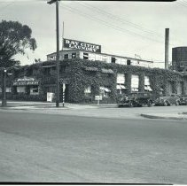 Image of Bay Cities Laundry in Venice, 1936 Bay Cities Laundry, April 22, 1936.  - 1936/04/22