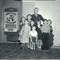 Image of Children at the Elmiro Theatre on Third Street, 1936 - 1936/12/5