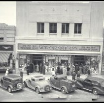 Image of Opening Day of the W.T. Grant Store on Third Street, Santa Monica - 1937/06/04