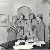 Image of Women's Ambulance and Transport Corps of Beverly Hills, 1941 - 1941/08/28