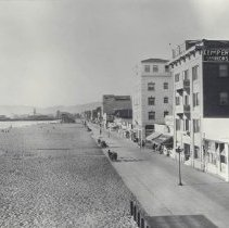 Image of Kemper Apartments on Santa Monica Beach - undated
