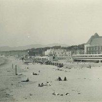 Image of Deauville Club on Santa Monica Beach - 1930s