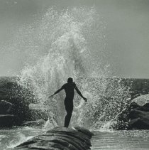 Image of Cooling Off at Venice Beach, 1986 - 1986/08/22