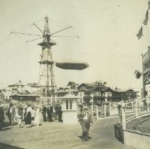 Image of The Aeroscope at the Looff Pier in Santa Monica - undated