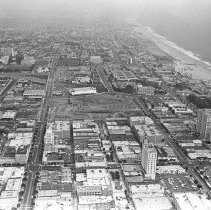 Image of Aerial View of Santa Monica Looking Southeast - 1979