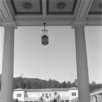 Image of Getty Villa Visitors - 1975/04/16