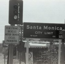 Image of Santa Monica City Limit Sign, 1969 - 1969/04/22