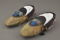 Image of 2003.004.001 - Moccasin
