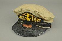 Image of 2001.024.002 - Hat