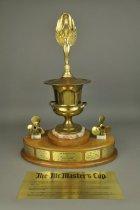 Image of 2014.001.026 - Trophy