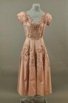 Image of 1982.133.003 - Dress