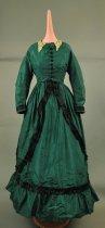 Image of 1946.162.001 - Dress