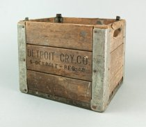 Image of 2017.013.001 - Crate