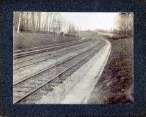 Image of 01764 - Three sets of tracks at curve.