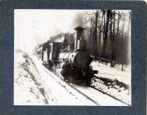Image of 01795 - Steam Locomotive in snow.
