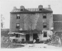 Image of 807 - Tenement on Taylors Lane