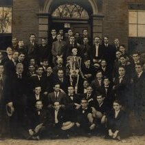 Image of Large group with a skeleton.