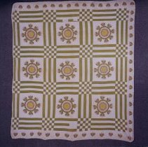 "Image of ""Whig Rose"" Pattern Quilt - Quilt"