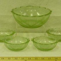 Image of 1940s Green Depression Glass Bowl Set