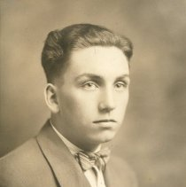 Image of P2009.001.040 - Graduation portrait of Fred Benson