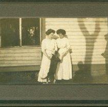 Image of P2011.002.043 - People/Margaret Lonergan and Stella Lyons Dillon