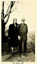 Image of Folder 39 - Ida Bearder with father, Henry Fink, 1941