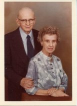 Image of Folder 230; Portrait photograph of Guy and Catharine Klett, 04/1980