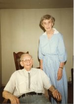Image of Folder 233; Guy and Catharine Klett in Oreland, Pa., 06/30/1987