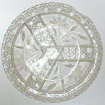 Image of Dish - 1972.034.008