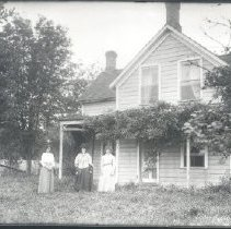 Image of Negative, Glass-plate - Women outside home
