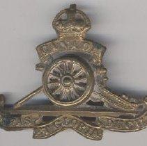 Image of Badge - 1993.013.011