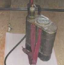 Image of Sprayer, Hand - 1994.018.001a-d