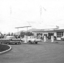 Image of Print, Photographic - Royalite Gas and Service Centre