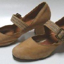Image of Shoe - 2009.059.001.1&.2