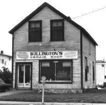 Image of Print, Photographic - Front view of Bullington's Repair Shop