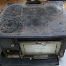 Image of Stove, Wood - 1999.018.001