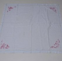 Image of Tablecloth - 2001.033.003