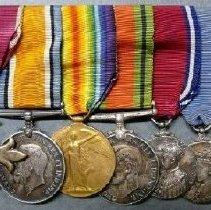 Image of Set, Medal - 2013.008.001.1