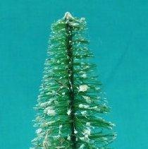 Image of Ornament, Christmas - 2013.083.026